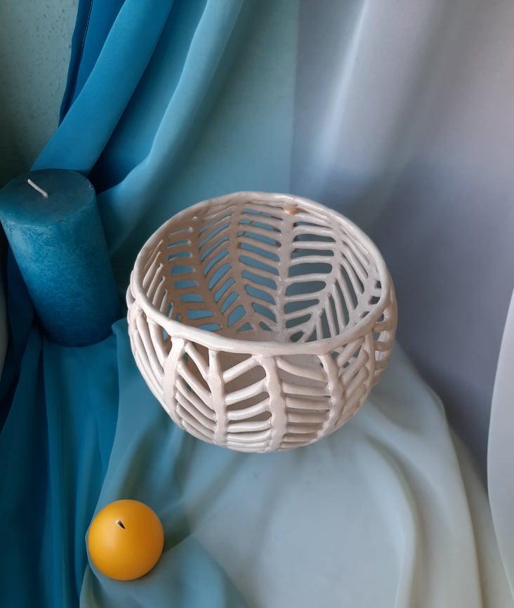 Busket 4. Pylnyk art ceramic.