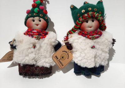 Little magodzas dolls in tree hat